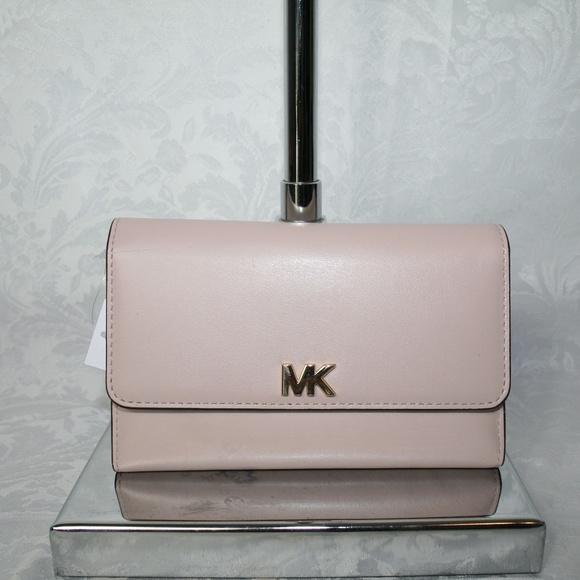 Michael Kors Handbags - MICHAEL KORS  MONEY PIECES MEDIUM MULTI FUNCTION